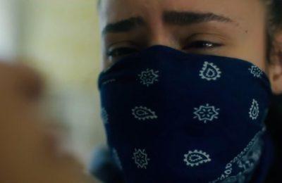 KJ Apa tente de survivre à une pandémie dans SongBird