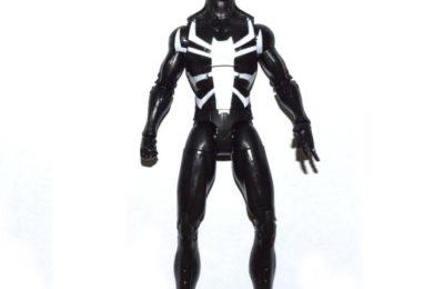 L'AUTRE costume noir de Spider-Man est également devenu un héros des merveilles