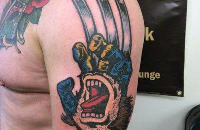 Wolverine a des tatouages, mais les fans ne les verront jamais